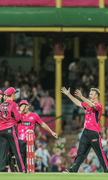 Big Bash: Sydney Sixers v Melbourne Renegades